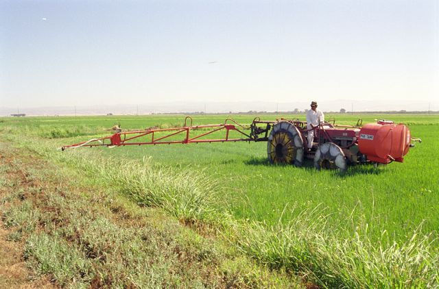 Rears Rice Boom Sprayer with Pak-Tank